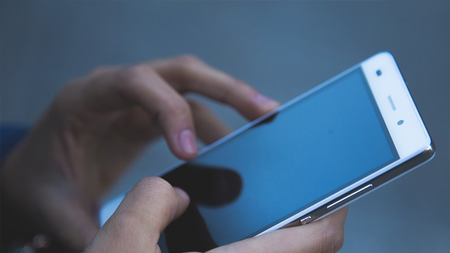 Cara Mengatasi Touchscreen Bergerak Sendiri